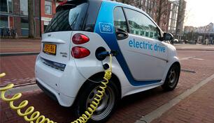 vehículo eléctrico carga