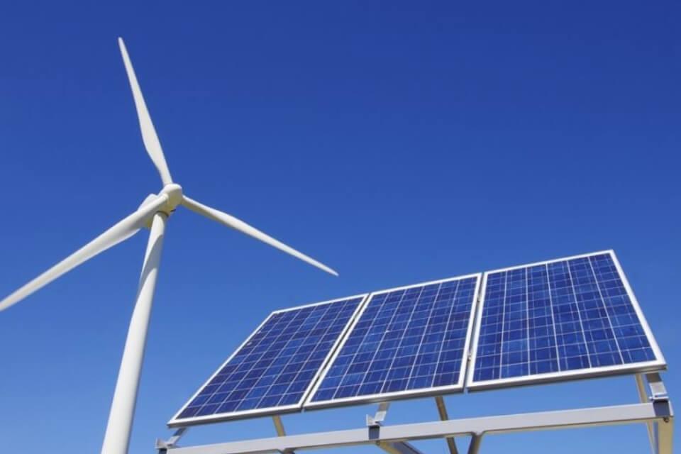 combinar energies renovables