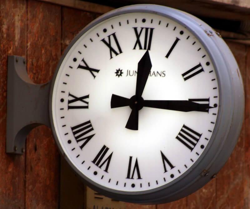 cambio hora y tarifa luz