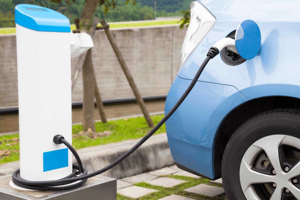 La nueva etiqueta para coches eléctricos y puntos de recarga...